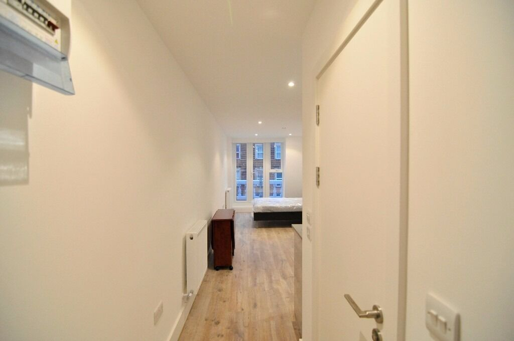 Great location! Brand New Double Studio in Kilburn Zone 2