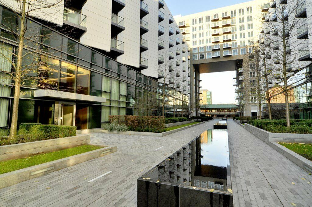 # Stunning 2 bed 1 bath available now on the ground floor in Baltimore Wharf - Canary Wharf!!
