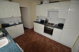 5 bedroom house in New Park Terrace, Treforest,