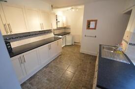 5 bedroom house in John Street , TREFOREST,