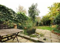 Short Term Inlcuding All Bills & Wifi Large Double Room to rent In Brentford/Chiswick £1,000pcm