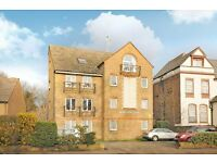 Sydenham Hill SE26 - Beautifully presented two double bedroom purpose built flat available to rent