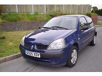 Renault Clio 1.2 petrol 3 door hatchback 2005