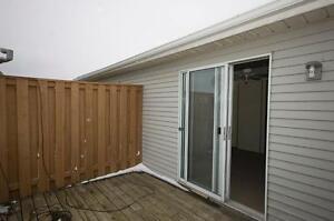 2 Bedroom Condo Townhomes Walkout Upper Decks! Kitchener / Waterloo Kitchener Area image 4