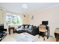 A well presented 2 bed flat close to Wimbledon Chase station. Burlington Gate, Rothesay Avenue SW20