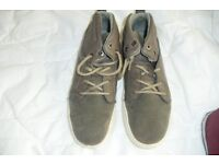 SIZE 4 PAIR BOYS BROWN LACE UP TRAINER BOOTS HARDLY BEEN WORN