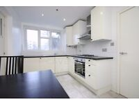 BEAUTIFUL 3 BED LOUNGE CONVERSION- IDEAL FOR 3 STUDENTS/PROFESSIONALS- CLOSE TO OLD ST STN- MUST SEE