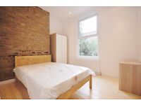 LARGE DOUBLE ROOM IN MAIDA VALE