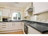 4 bedroom house in Brookfield Crescent, Marston, Oxford