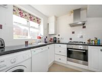A bright and spacious three bedroom house on Henry Doulton Drive - £1850pcm