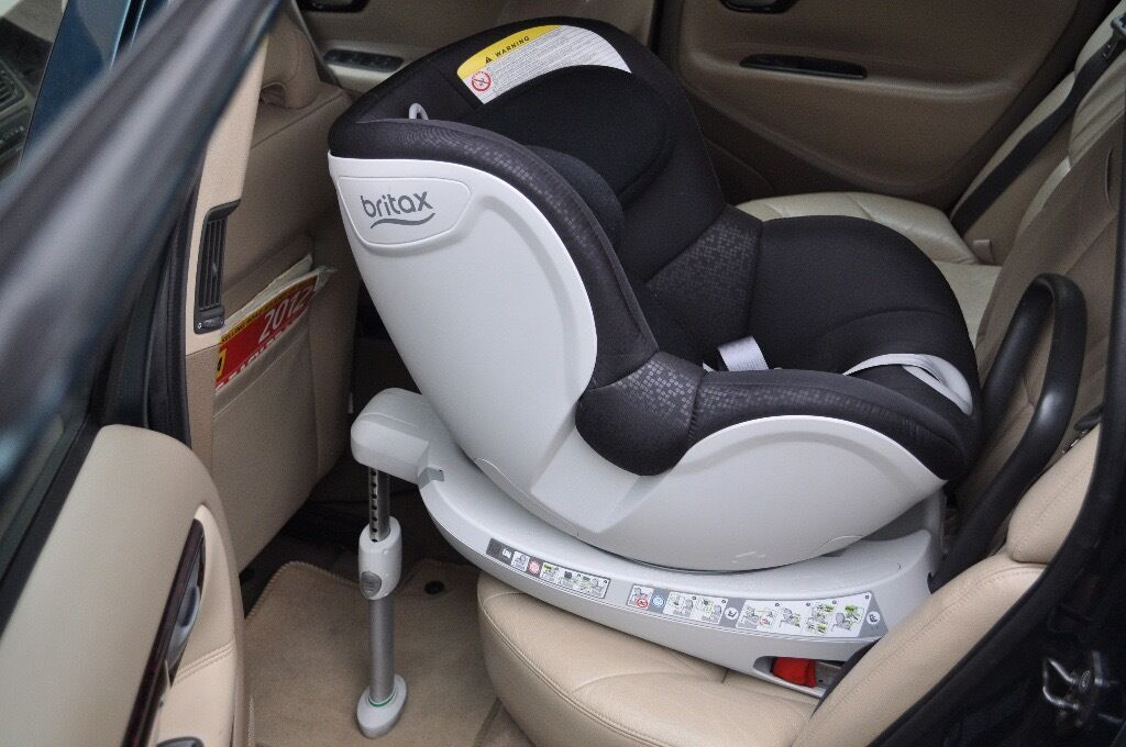 AS NEW Britax Romer Dualfix Swivel 360 Rotating Car Seat Isofix Group 0