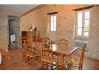 Lovely feature holiday cottage in the hart of France's wine region and close to Bordeaux.