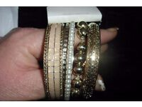 "NEW SET OF 5 GOLD BANGLES, BRACELETS ALL DIFFERENT DESIGNS FROM ""NEW LOOK"""