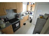2 bedroom flat in Rickard Street, Pontypridd,