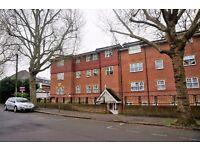 Large two double bedrooms flat (two bathrooms), Woodside Park, N12 - £320 per week