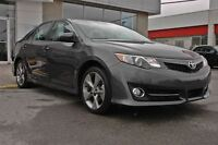 2014 Toyota Camry XLE V6 + Cuir + Navigation + Toit