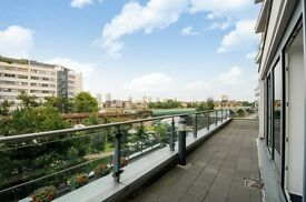 A spacious three double bedroom, three bathroom apartment, The Boulevard, SW6