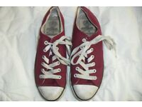 SIZE 4 PAIR RED LACE UP PUMPS MAKE DUNLOP IN GOOD CONDITION
