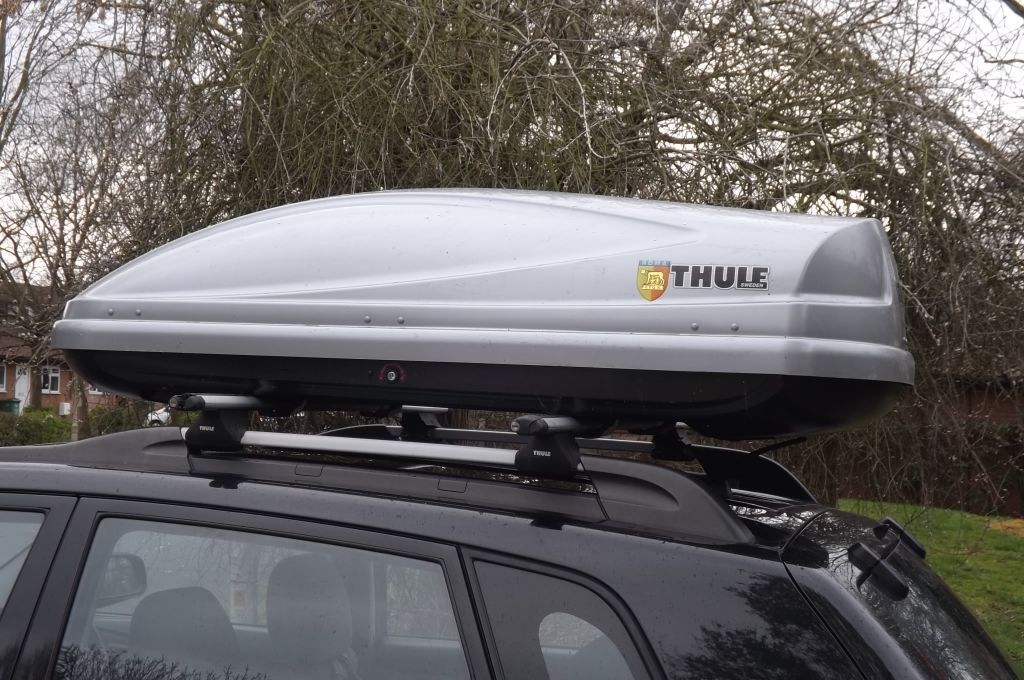 thule atlantis 200 roof box in basildon essex gumtree. Black Bedroom Furniture Sets. Home Design Ideas