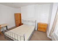 Room in Great Sheared House Mutley area