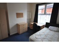 4 BEDROOM STUDENT HOUSE TO SHARE EARLSDON SIR THOMAS WHITES RD. NO FEES £310 PER MONTH