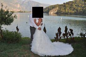 Beautiful Mark Lesley Wedding Dress - Size 10