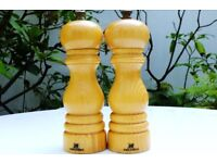 A pair of PEUGEOT WOODEN MILLS Salt And Pepper Mill 18cm Fully Working Good Condition