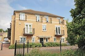 2 bedroom flat in McCabe Place, Harberton Heights, Headington