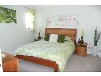 Classic Bedroom Furniture Suite in Cherry Wood