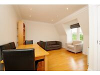 *** Stylish two double bedroom period flat with a roof terrace to rent, Hillfield Avenue, N8 ***