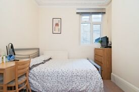**** EXCELLENT DOUBLE ROOM IN CLAPHAM NORTH ***