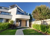 ALUM CHINE/BOURNEMOUTH: FOUR BEDROOM: OFFERING BALCONY SEA VIEWS: WITH PRIVATE GARDEN