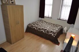 Very specious single room to rent weekly £130 including all bills available now!!!