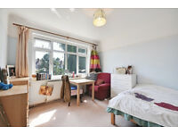 A spacious 2 bedroom maisonette with PERIOD FEATRUES, easy access to Central Line tube, and A40/A406