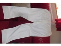 SIZE 16 PAIR NEW WHITE LINEN TROUSERS WITH SIDE + BACK POCKETS