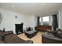 Dunsmure Road, three bed flat with sole use of garden.