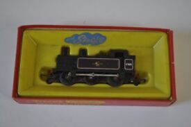triang hornby boxed tank loco w/smoke model r.52s
