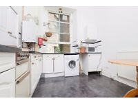 STUDENTS 17/18: Fantastic 3 bed HMO property with open plan kitchen/living available August NO FEES