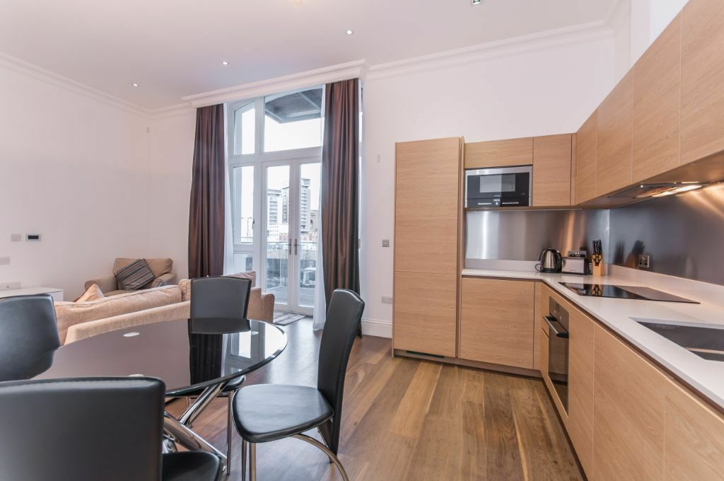 One bedroom luxury flat in the new Sterling Mansions, E1, porter, gym, 5 mins to Aldgate East
