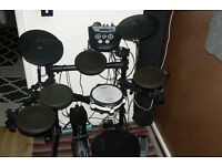 Roland TD-6V Electronic drums + stool and bass drum pedal