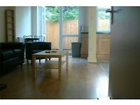 Newly Refurbished Stunning Modern Large 4 Bedroom & 3 Bathroom House W12