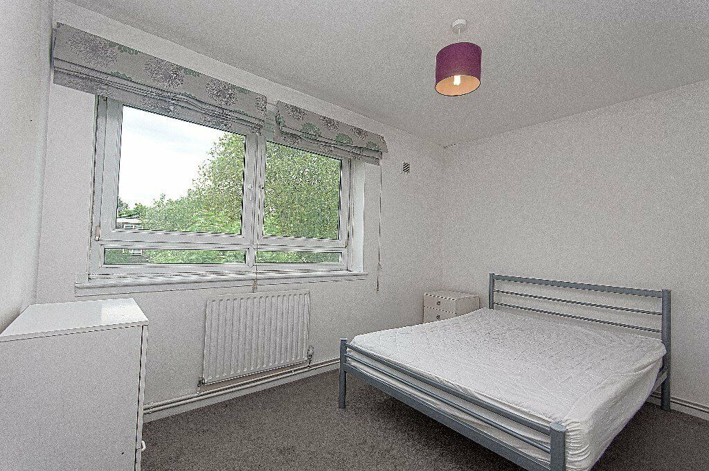 Newly refurbished four bedroom flat available now with a balcony, in the area of Warwick Avenue
