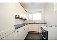NEWLY REFURBISHED BRIGHT & SPACIOUS APARTMENT ON MOUNT AVENUE WITH BALCONY & GARAGE. £ 1475 PCM