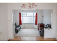 3 bedroom house in Glenham Drive, Ilford, IG2
