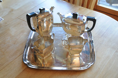 Mappin & Webb Tea set with Coffee Pot Solid Silver. Sheffield, 1945
