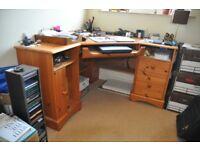 Pine corner computer desk