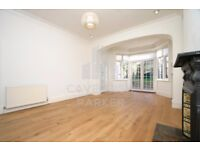 Very Spacious Modern Two Double Bedroom Apartment With Modern Eat-In Kitchen and Private Garden.