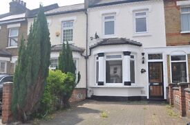 **Two Bed Semi-Detached House to Rent in West Ealing**