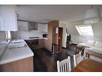 Excelllent located spacious two bedroom split level flat