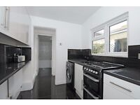 A one bedroom house available to rent in Kingston. Hawks Road.